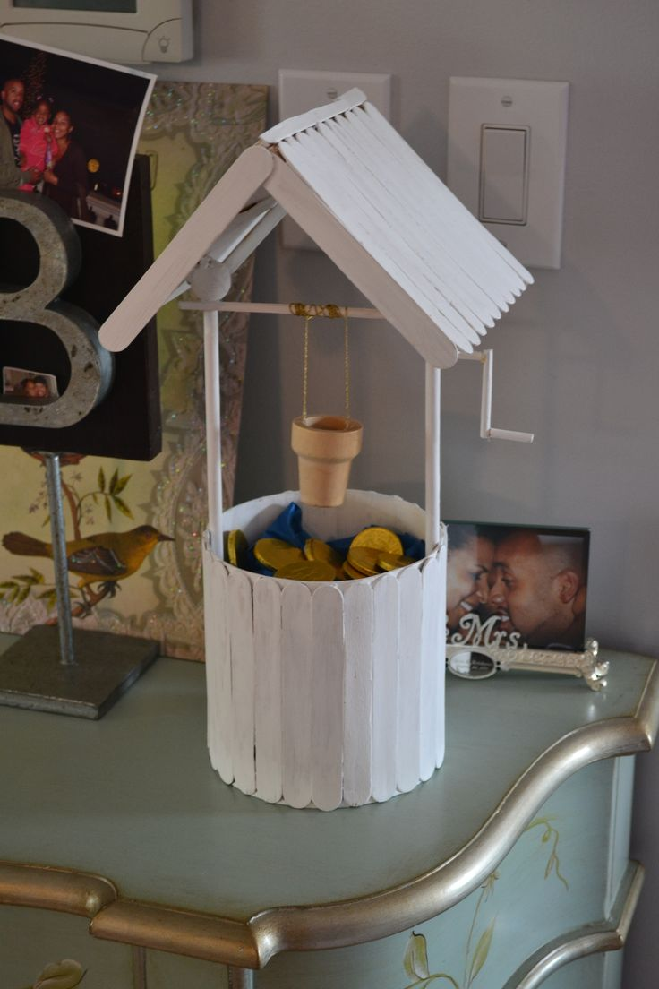Popsicle stick wishing well - could use as an ivy planter