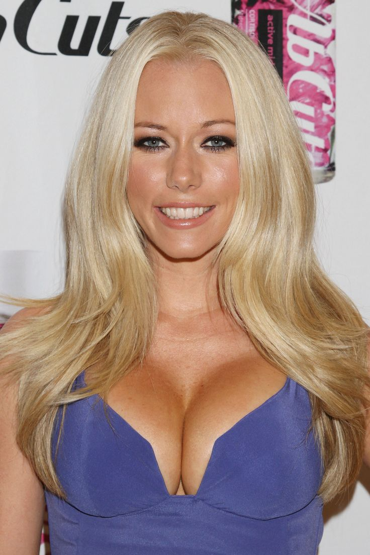 18 best kendra wilkinson cleavage images on pinterest kendra pmusecretfo Image collections