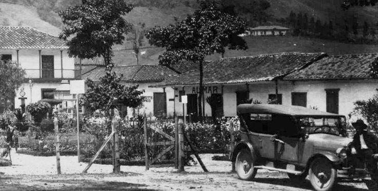 vista parque de caldas año 1924 — en municipio de caldas antioquia. - Publicada por Luis Mario Usma
