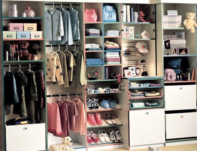 http://www.closetfactory.com/custom-closets/closet-organizer-galleries/reach-in-closets/?imgid=2720