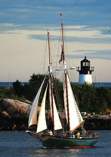 TheThomas E.Lannon sailing past Ten Pound Island light, Mass.