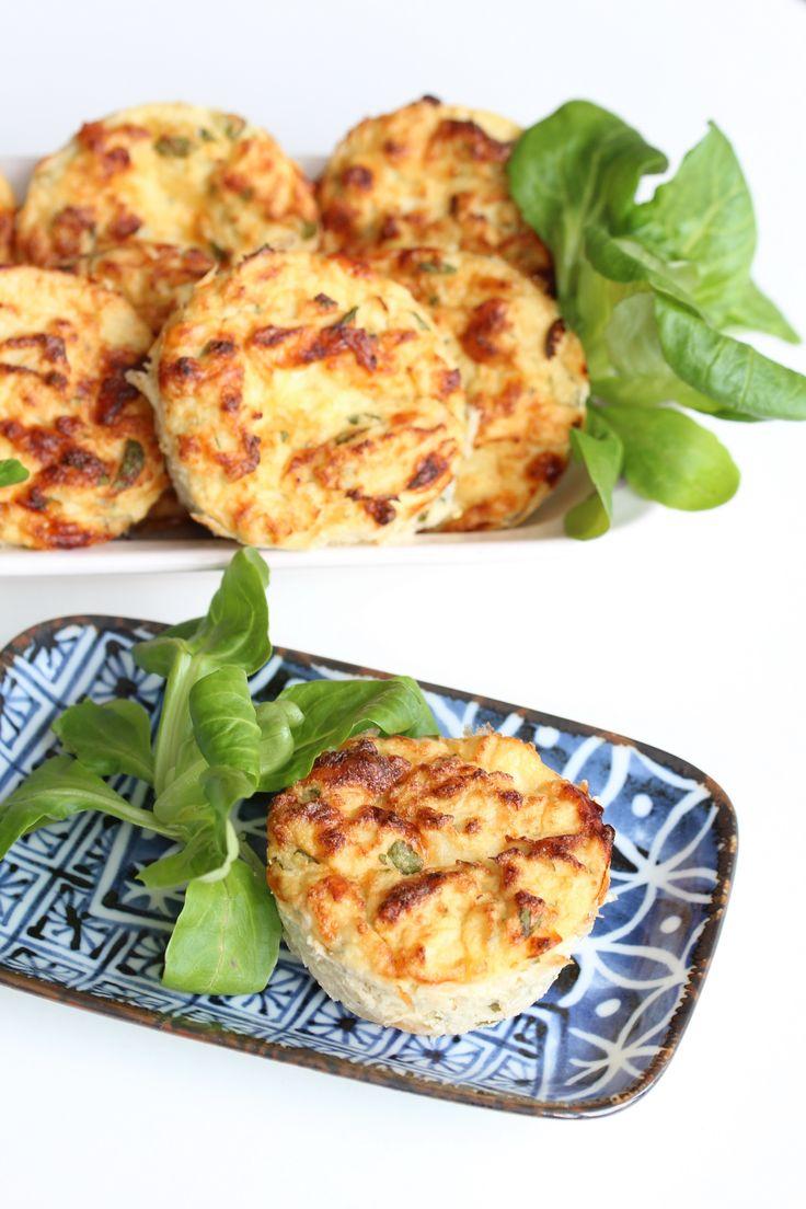 Lehké nadýchané květákovo - sýrové muffiny bez mouky #BezMouky, #Květák, #Lehké, #Muffin, #Nadýchané, #Recept, #Sýr, #Trouba, #Vejce