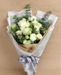Cream Roses and Eustomas #floralgaragesg #decoration #parties #love #couple #weddingday #occasions #homedecor #lifestyle #lol #inspiration #roses #bookey #flowers #nature #happybirthday #birthday #prettiness #happyme #traveldiaries #Singapore