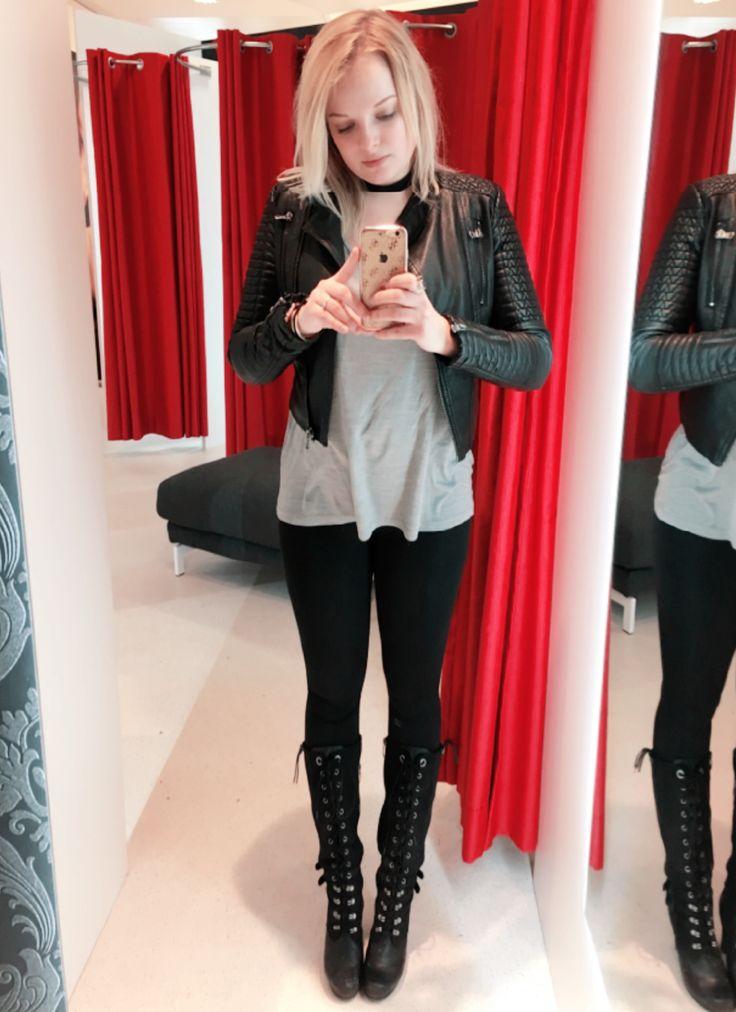 Lether crop jacket Zara Black leggings BasBleu Oversize classic cut silk t-shirt COS  Lether snow boots Tamaris