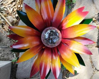 Girasol Solar luz de pasillo, decoración del jardín del metal, decoración de la yarda, arte de la flor del metal