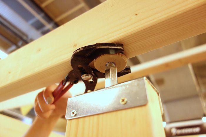 ラブリコやディアウォールだけじゃない 賃貸に便利な木材突っ張り方法