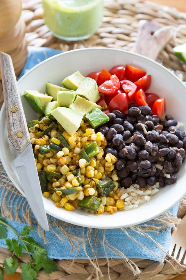 For this burrito-inspired dinner bowl, I ditched the tortilla and layered everything into a big bowl