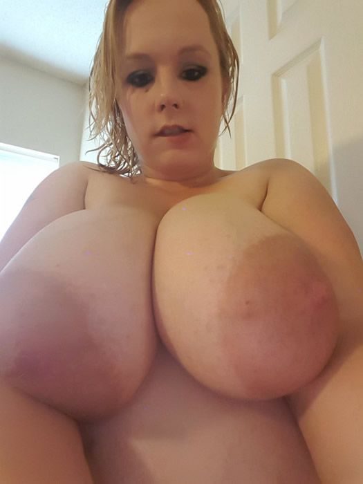 Anyone dutch huge boobs Love join