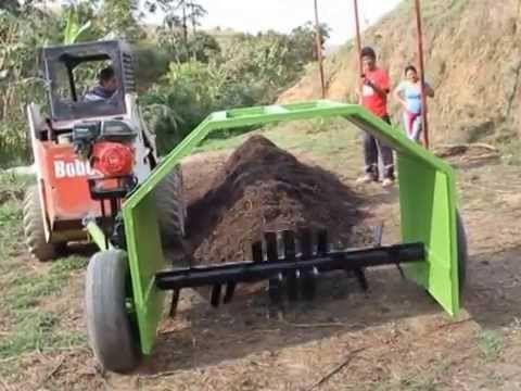 Volteadora de Compost F-170 // Funcespe - YouTube