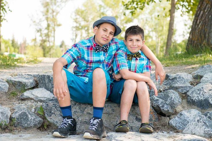 Ricardo & Angela Photography | Family photographer brothers love
