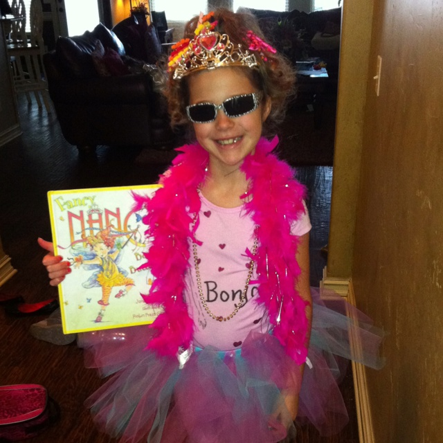 Best 25+ Fancy Nancy Costume Ideas On Pinterest | Book Week Characters Book Character Costumes ...