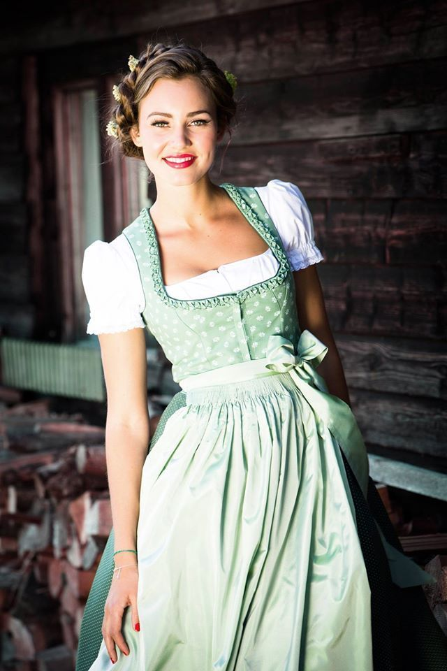 1000+ ideas about Dirndl on Pinterest | Trachten, Trachtenmode and ...
