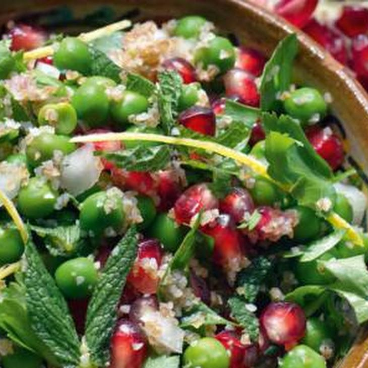 Tony Kitous & Dan Lepard's bulgursalade met erwten en munt Recept recept met doperwten, keukenzout, bulgur, munt, peterselie, olijfolie, ciderazijn, granaatappelpitjes