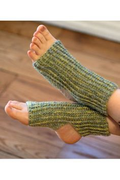 Crochet a pair of yoga socks - free crochet pattern. More