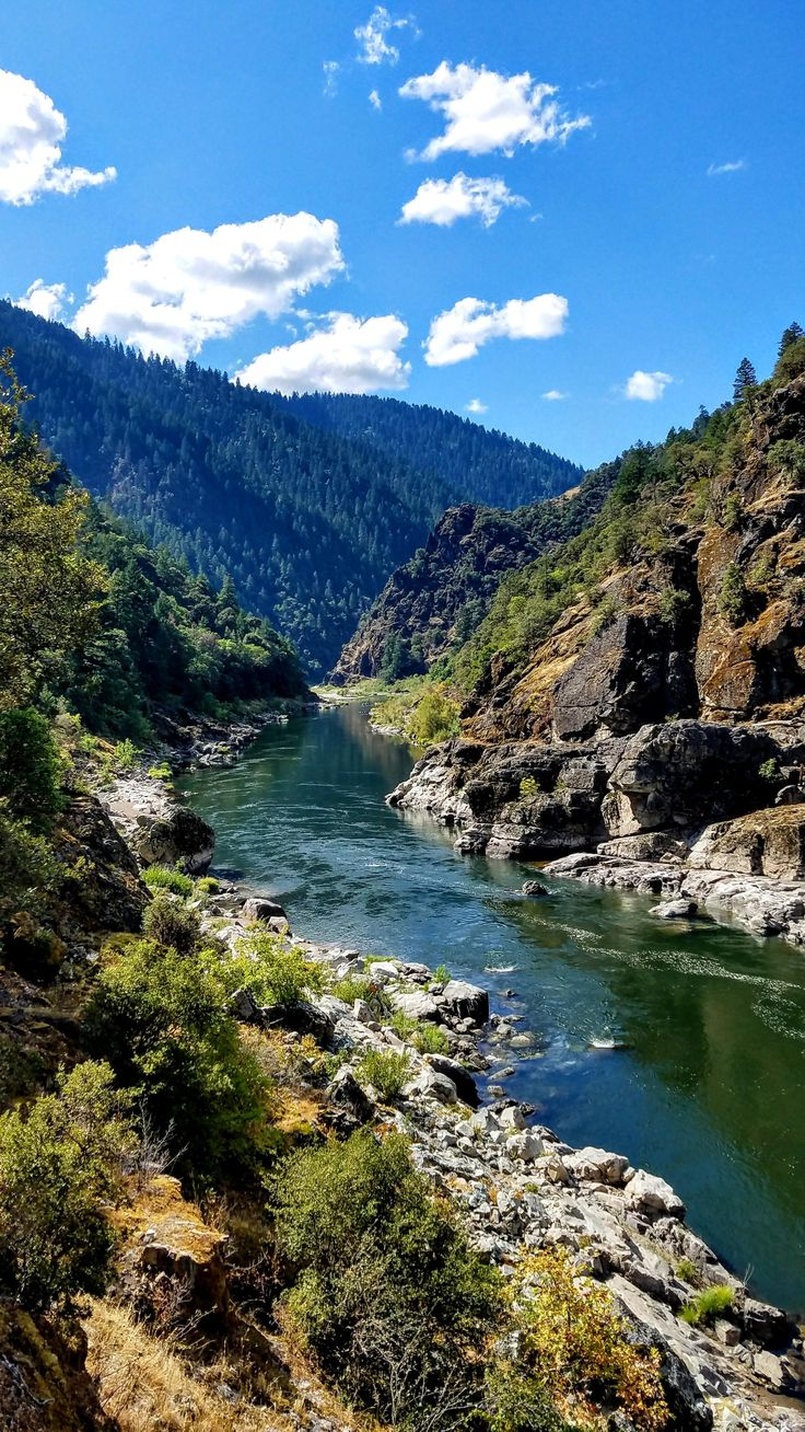 Oregon's Rogue River [2268x4032][OC] http://ift.tt/2EKgqZH