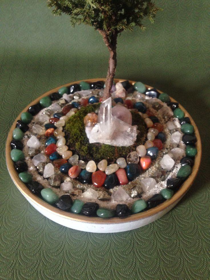 Maceta para Bonsái pintada y con cristales.