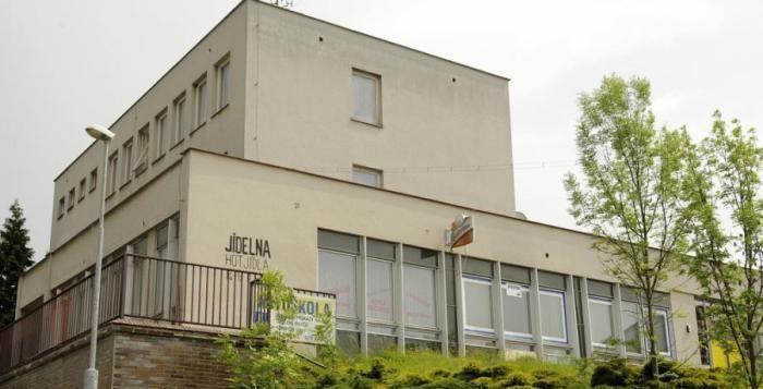 Bývalý kulturní dům v Červeném Hrádku dostane město, pak se o něj bude starat obvod