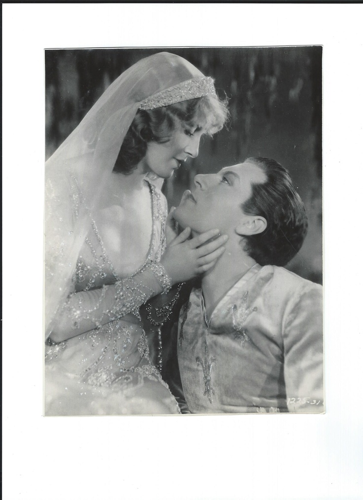 Jeanette MacDonald and Dennis King in The Vagabond King - Escano Collection