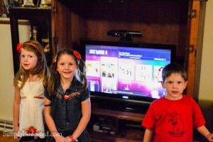 Family Fitness with Just Dance 4 Just Dance Game #JDDreamTeam2014 #sponsored