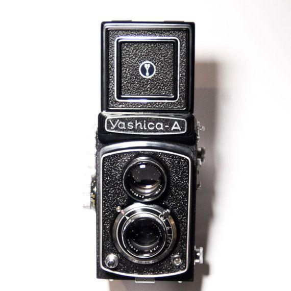 Yashica A Black 120 film TLR camera por CameraCollection en Etsy