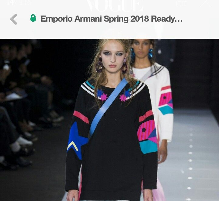 Giorgio Armani Fall 2017 Ready To Wear Fashion Show