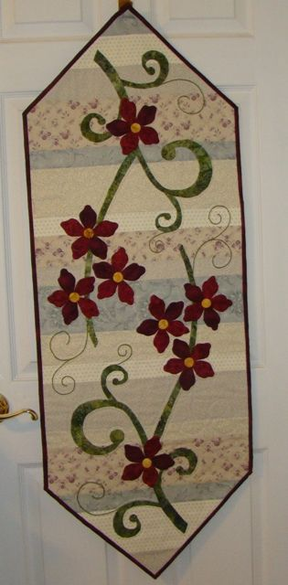 Table Runner by Margaret H on Quiltingboard.com