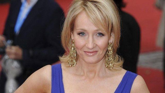 Nach Kritik J K Rowling Gibt Menschenrechtspreis Zuruck Promis Klatsch Und Tratsch Rapper