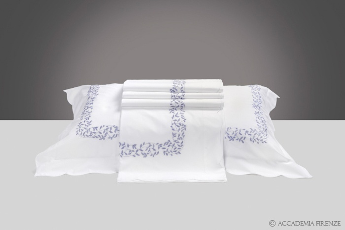 Buy VITTORIA BED SET online. Pure #Egyptiancotton percale. Amancara luxury linens since 1952.