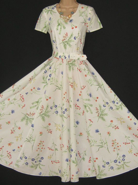 LAURA ASHLEY Vintage Summer Meadow 50's Rockabilly Style