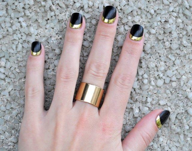 idea interesante uñas negro oro contraste