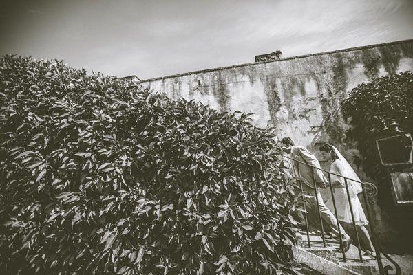Giallo e pois per un matrimonio intimo: Zita e Luca Villa Petraia Firenze anni '60 #anni #60 #Firenze #abito #pois #matrimonio #Villa #Petraia