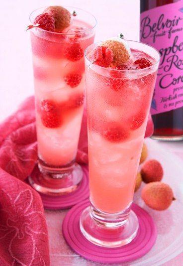 Raspberry Blush - The best alcoholic fruit cocktail drink recipes ever - sofeminine