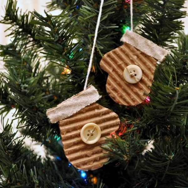 cute and easy, great idea for a tag as well: Vintage Buttons, Christmas Crafts, Great Idea, Mittens Ornaments, Ornaments Idea, Mittens Christmas, Corrugated Cardboard, Christmas Ornaments, Cardboard Crafts