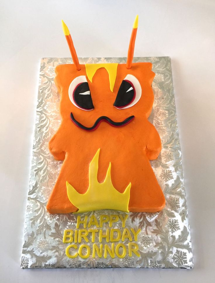 Blurppy Slugterra cake - buttercream iced cake with fondant details