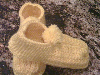 Another pattern 4 :2 needles slippers: Slippers Patterns, Heels Knits, Knits Slippers, Mosier Farms, Round Heels, Knitted Slippers, Xmas Slippers, Knits Socks, Knits Projects
