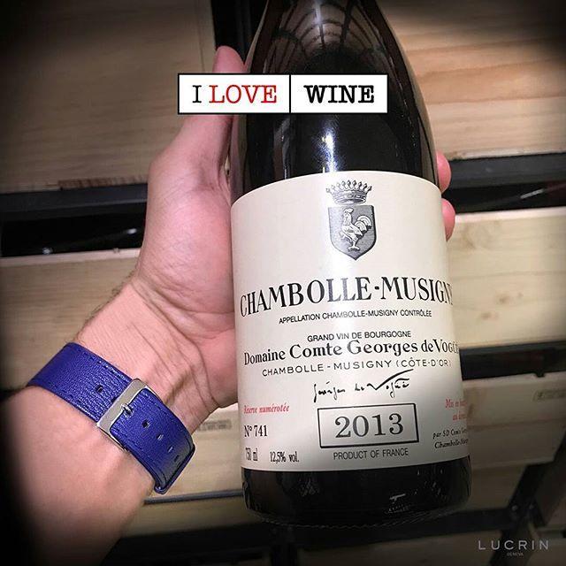 "My treat for yesterday's Valentine dinner... 😊🍷 . . . ""Apple Watch Goat Leather Strap in Royal Blue color"" by LUCRIN Geneva . . . #luxurylife #luxurytravel #luxuryliving #luxurylifestyle #apple #lucrin #lucringeneva #leather #cuir #luxury #applewatch #ilovelucrin #wine #luxe #champagne #winery #ilove #cheeseandwine #love #winetasting #bourgogne #vin #dinner #redwine #happy #romantic #chill #winelover #winetime #foodandwine . . . @hiltonnewsroom @drinkbordeaux @winefolly @food_writer…"