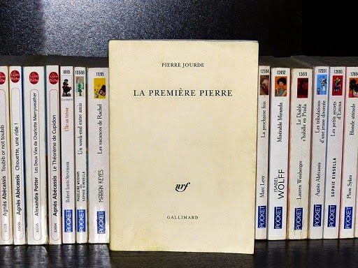 La première Pierre, de Pierre Jourde : http://www.menagere-trentenaire.fr/2013/10/03/la-premiere-pierre-pierre-jourde