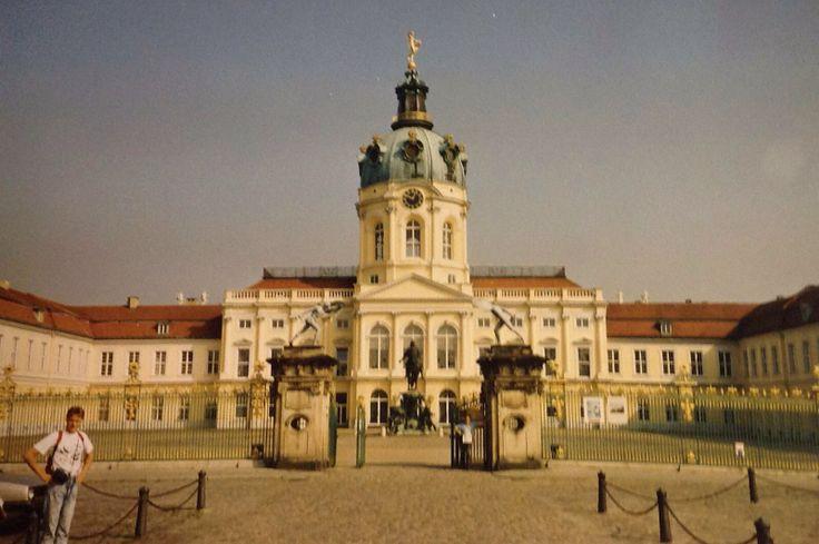 Charlottenburg is een prachtig 18e eeuws Pruisisch paleis in West-Berlijn. (1987)