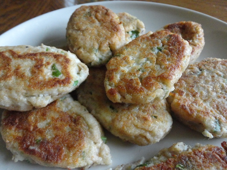 23 best images about food tuna fish cakes on pinterest for Tuna fish cake recipe