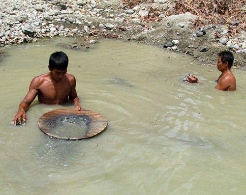 Silahkan baca artikel Mendulang Emas Di Sungai Luk Ulo Kebumen ini selengkapnya di Blogger Berbagi Info