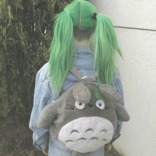This is the cutest hair ever omf I'm totally doing this one day! ^.^