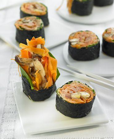 Sushi maki de zanahoria con shiitake y crema de umeboshi