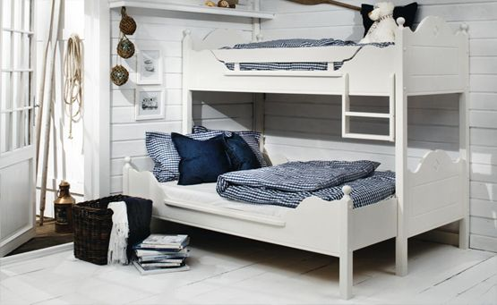 17 best images about bunkbeds on pinterest lit mezzanine places and decor. Black Bedroom Furniture Sets. Home Design Ideas