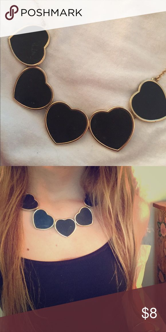 cutest heart statement necklace✨🖤 perfect necklace for causal or dressy attire! in great condition but i definitely got use out of it on a number of occasions! :) Forever 21 Jewelry Necklaces