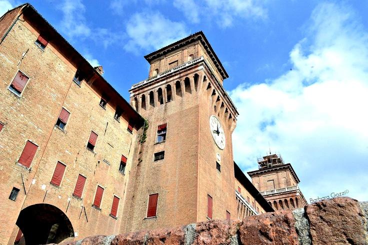 Il Castello estense dal basso - Barbara Gozzi©