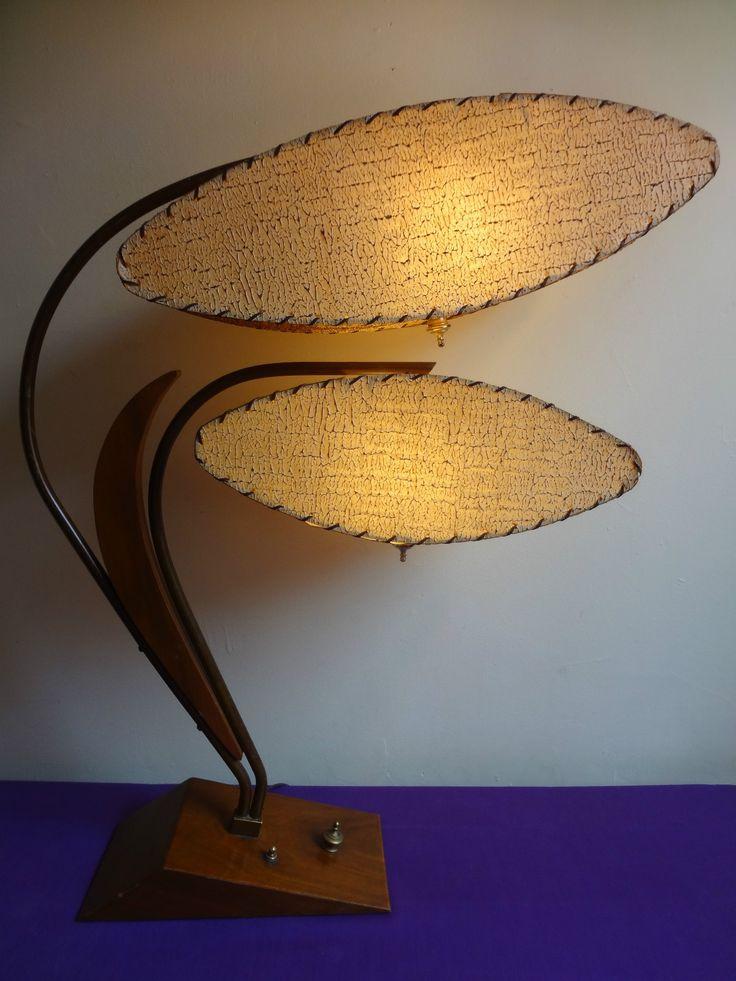 Mid-century Atomic ''VENUS FLYTRAP'' table lamp.