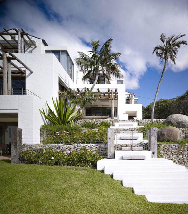 L'entrée principale de cette ville de luxe | luxe, vacances, villas de luxe. Plus de nouveautés sur http://www.bocadolobo.com/en/news-and-events/