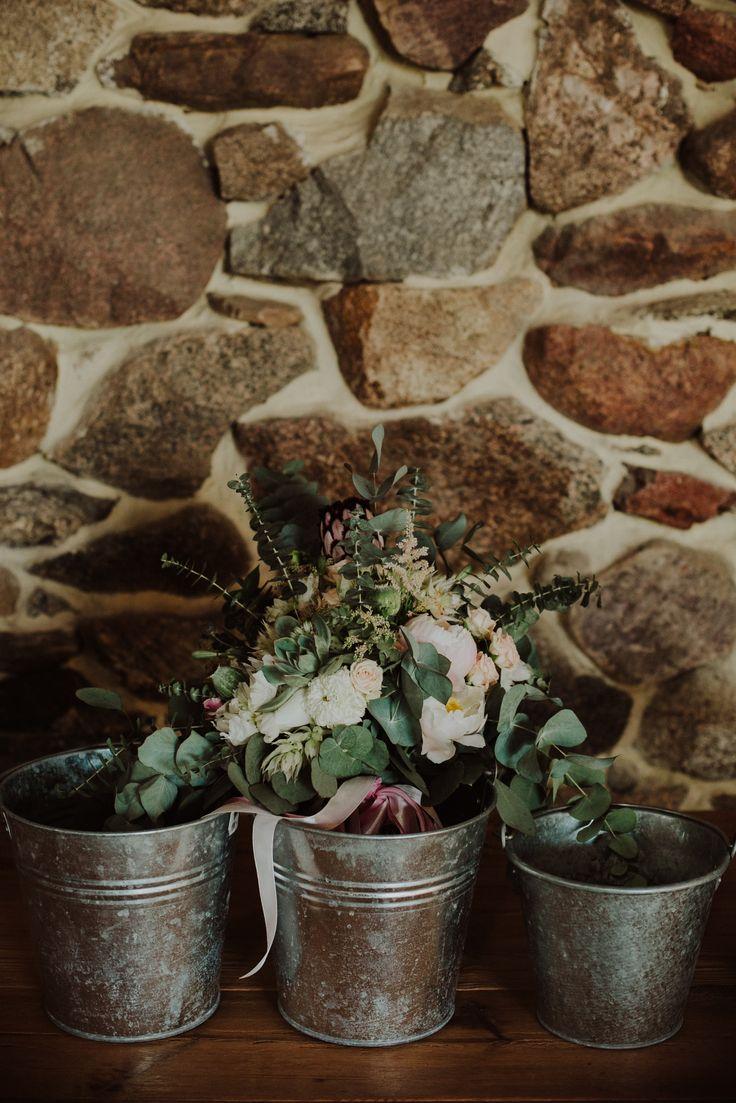 flowers in apot / fot. Ola Gruszka Fotografia