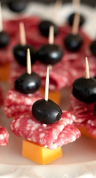 easy appetizer for pot lucks Cheddar Salami Poppers