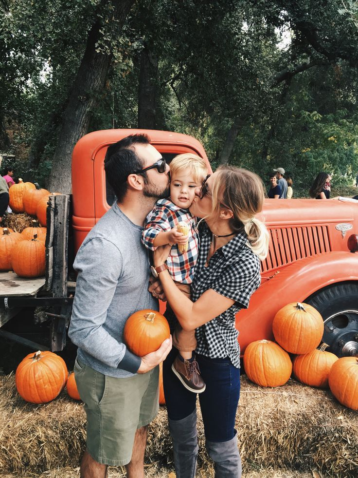Pumpkin patch, fall bucket list, pumpkins, fall family photos
